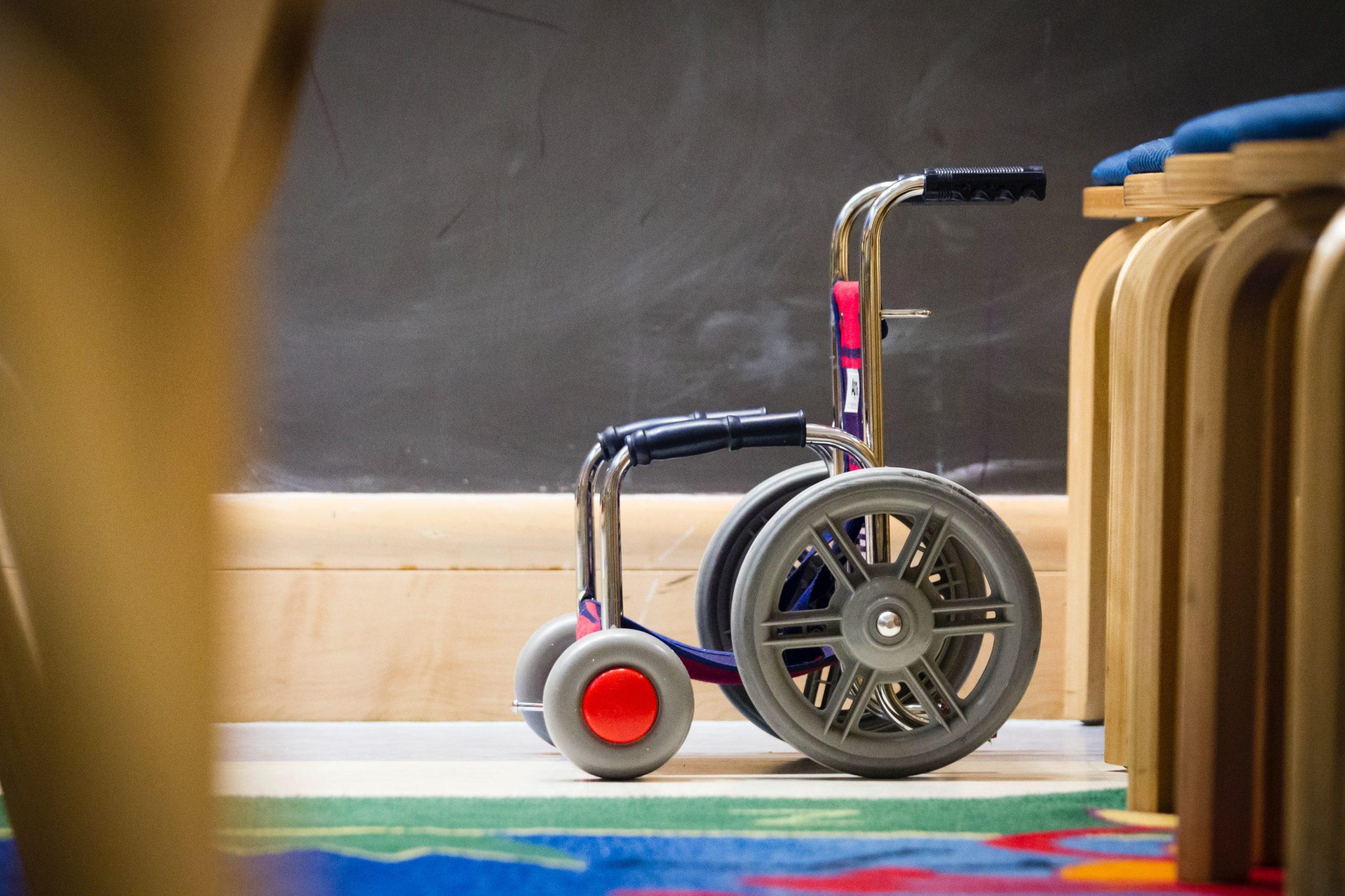 El Síndic de Greuges reclama actuar amb urgència per pal·liar la manca de places residencials per a infants amb discapacitat